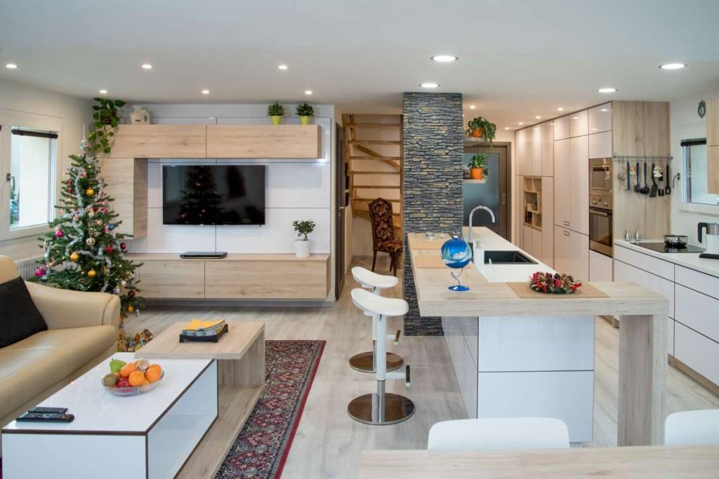 Kompletní interiér rodinného domu v  Opavě včetně dveří a proskleného schodiště N (1)