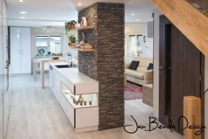 Realizace kompletního interiéru rodinného domu v Opavě včetně dveří a proskleného schodiště (6)