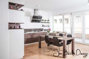 Realizace kuchyně Ostrava-podlaha a dveře původní-majitelé nechtěli měnit (2)