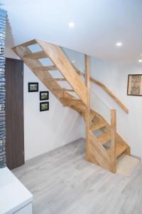 Kompletní interiér rodinného domu v  Opavě včetně dveří a proskleného schodiště N (10)