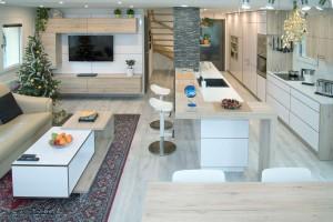 Kompletní interiér rodinného domu v  Opavě včetně dveří a proskleného schodiště N (2)