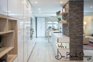 Realizace kompletního interiéru rodinného domu v Opavě včetně dveří a proskleného schodiště (7)