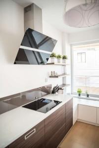 Realizace kuchyně Ostrava-podlaha a dveře původní-majitelé nechtěli měnit (5)